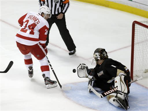 Nick Bonino's OT goal puts Ducks past Wings 3-2