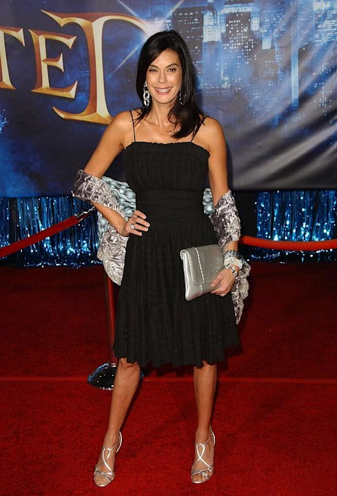 "Teri Hatcher arrives at the World Premiere of Walt Disney Pictures' ""Enchanted"" held at the El Capitan Theater."