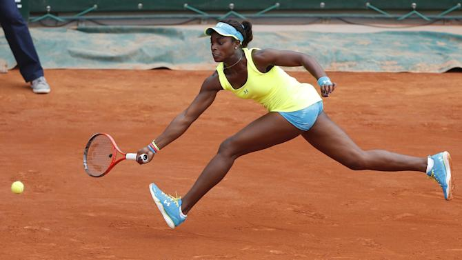 Sloane Stephens of the U.S. returns against New Zealand's Marina Erakovic in their third round match at the French Open tennis tournament, at Roland Garros stadium in Paris, Saturday, June 1, 2013. (AP Photo/Petr David Josek)