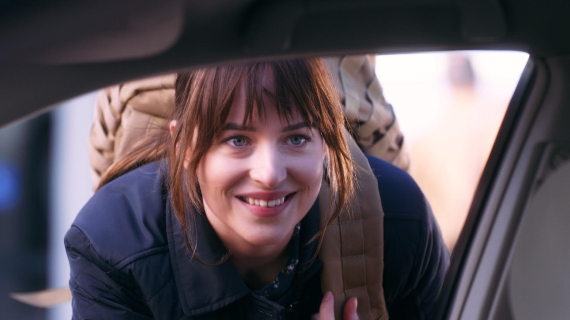 Dakota Johnson's 'SNL' ISIS spoof stirs outrage online