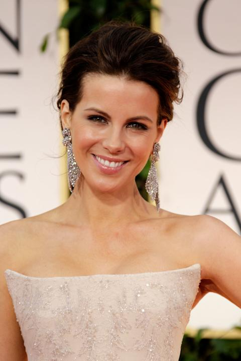 HIT: Kate Beckinsale has got that Everywoman look that is so infuriating because everywoman only WISHES she would look this glamorous. I love the easy, light sheen on her lips and cheeks balanced by t