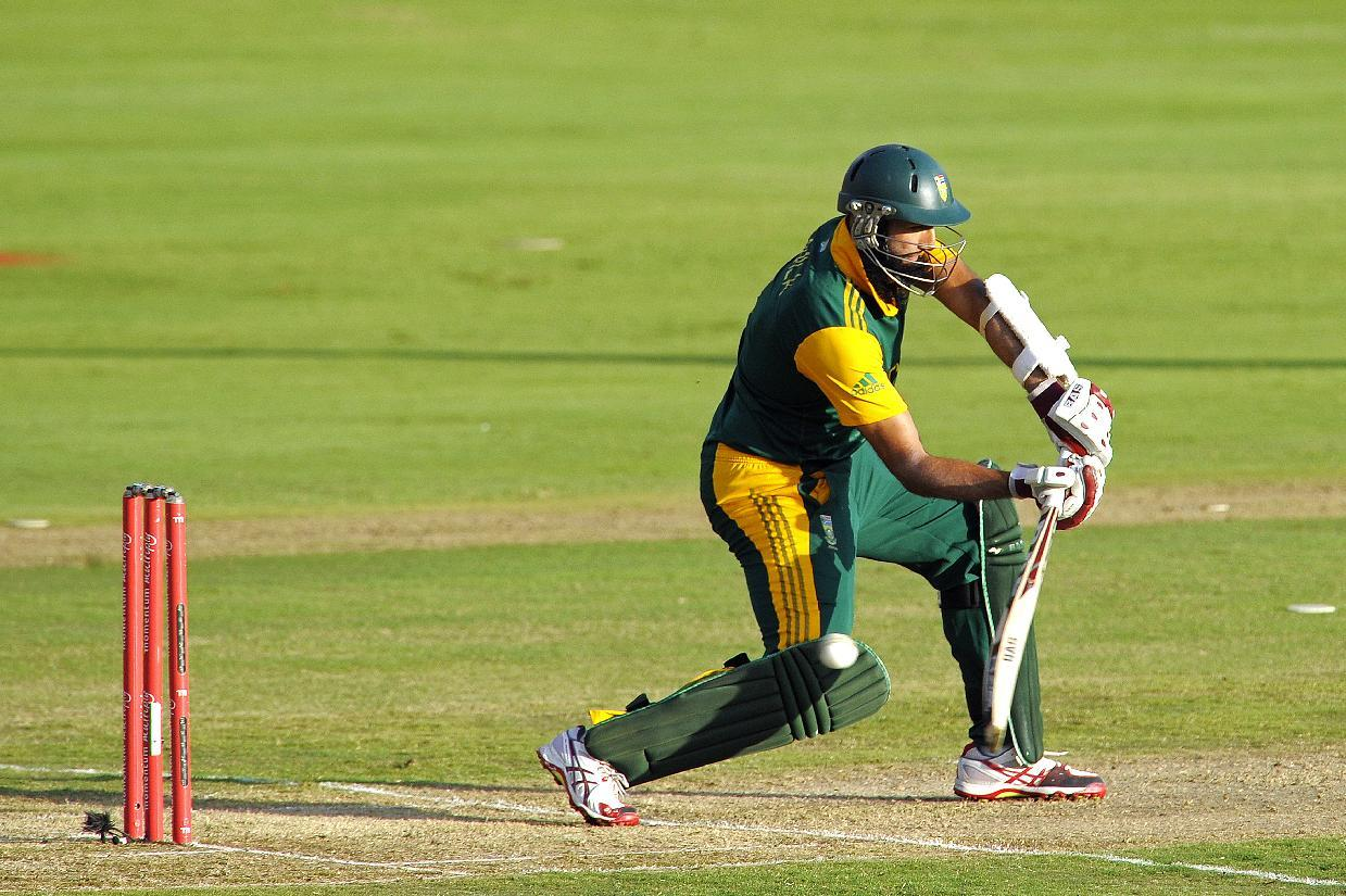 Amla, Rossouw set up big win for South Africa