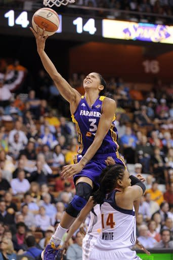 Parker leads Sparks in 87-81 win over Sun
