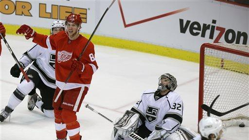 Red Wings top Kings 3-1 to boost postseason hopes