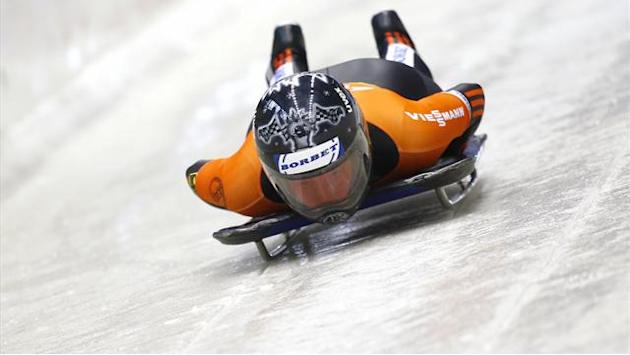 Skeleton - Thees edges Huber to World Cup title in Sochi