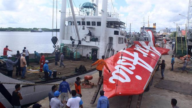 System Faults, Pilot Response Caused AirAsia Crash