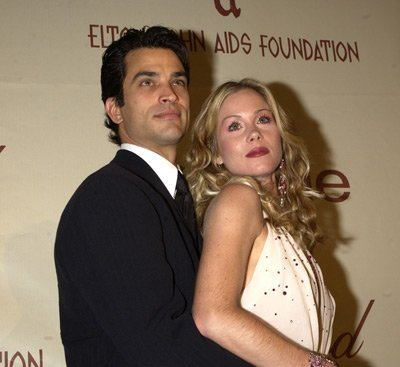 Johnathon Schaech and Christina Applegate Elton John AIDS Foundtation In-Style Party Hollywood, CA 3/24/2002