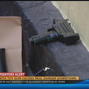 Man with toy gun causes police standoff in Downtown