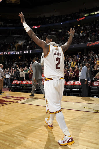 Irving's 2 FTs give Cavs 93-92 win over Kings