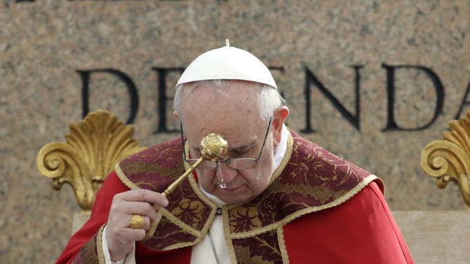 Pope Francis celebrates the Palm Sunday mass, in St. Peter's Square, at the Vatican, Sunday, March 24, 2013. (AP Photo/Andrew Medichini)