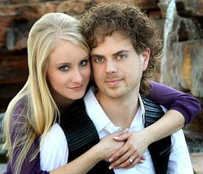 American Idol's Scott MacIntyre to Marry This Month!