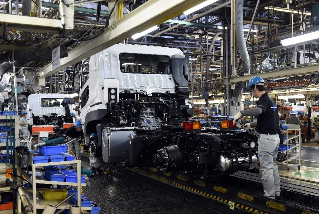 Weak Japan business confidence highlights recovery doubts