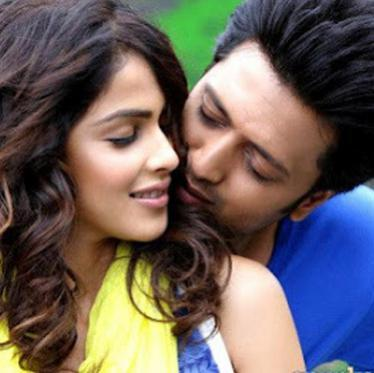10 Most Romantic Moments Of Bollywood's Cutest Couple Riteish And Genelia