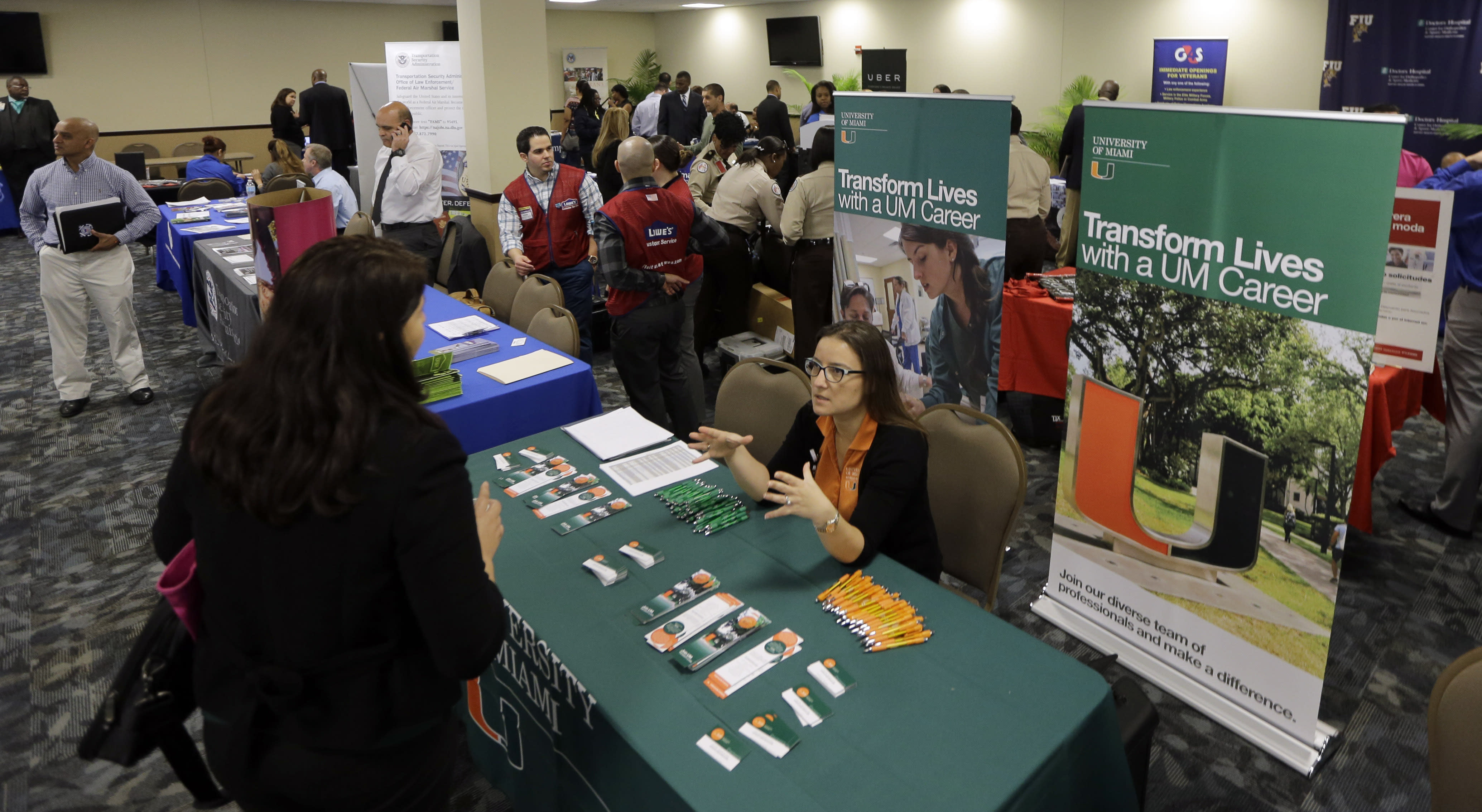 Ahead of the Bell: US jobless aid applications likely fell