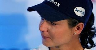 2010 Mexico's Lorena Ochoa cries during a news conference in Mexico City as she explains her decision to retire - 0