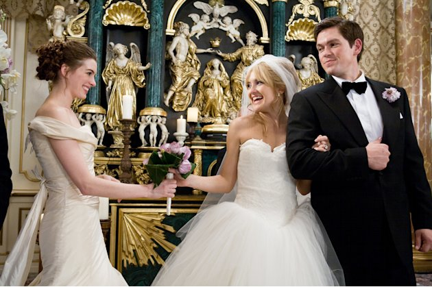 Kate Hudson Anne Hathaway Steve Howey Bride Wars Production Stills 20th Century Fox 2009