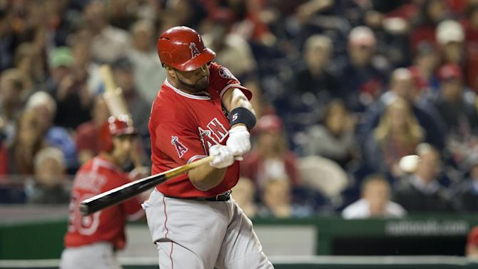After 500th HR, Pujols hears from Big Papi, Jeter
