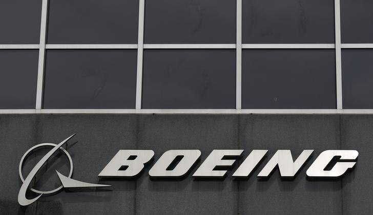 Boeing looks to car industry expert for jet production savings