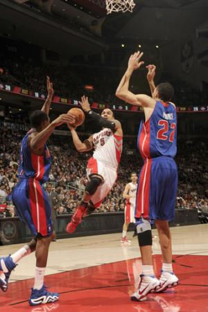 DeRozan scores 23 as Raptors beat Pistons