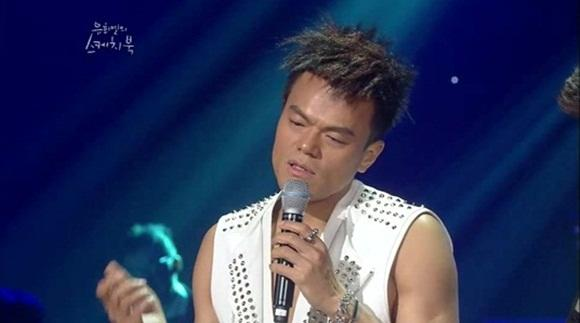 Park Jin Young mentions about the 'half-air-half-sound' comment