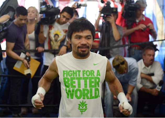   Manny Pacquiao Warms Getty Images