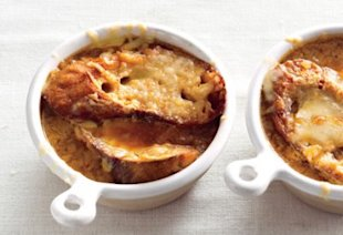 French onion soup. Photo by Romulo Yanes