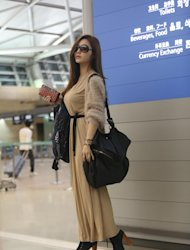 Kang Ye Bin shows a hot airport fashion