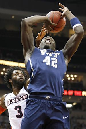 Pitt stays perfect, pulls away from Duquesne 84-67