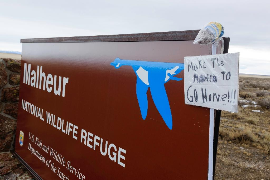Final holdout at Oregon refuge won't surrender, says 'liberty or death'