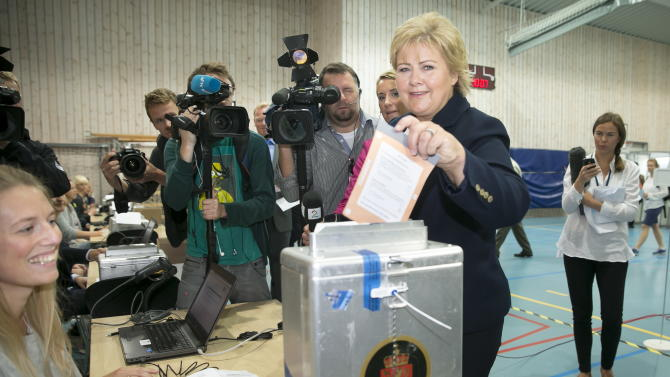 Center-right bloc takes power in Norway