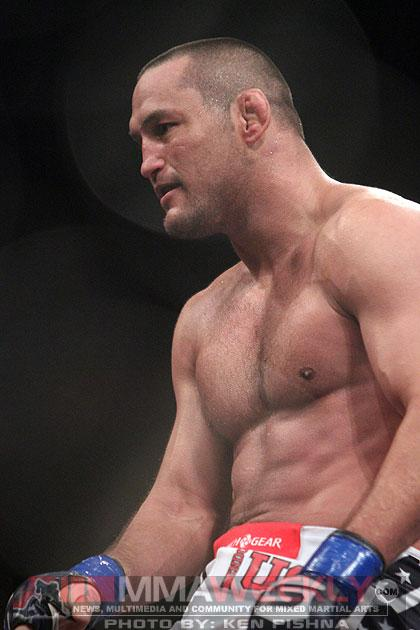 Dan Henderson Wants to See What Jon Jones is Really Made Of