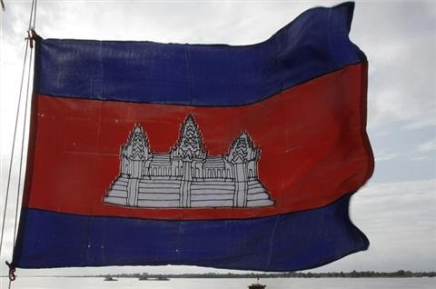 Cambodian factory workers clash with police
