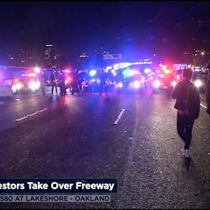 Team Coverage: Oakland Protesters Take Over Freeway After Ferguson Decision
