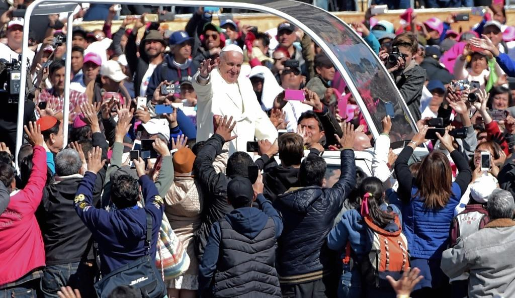 Pope urges Mexico bishops to fight drug trade with 'courage'