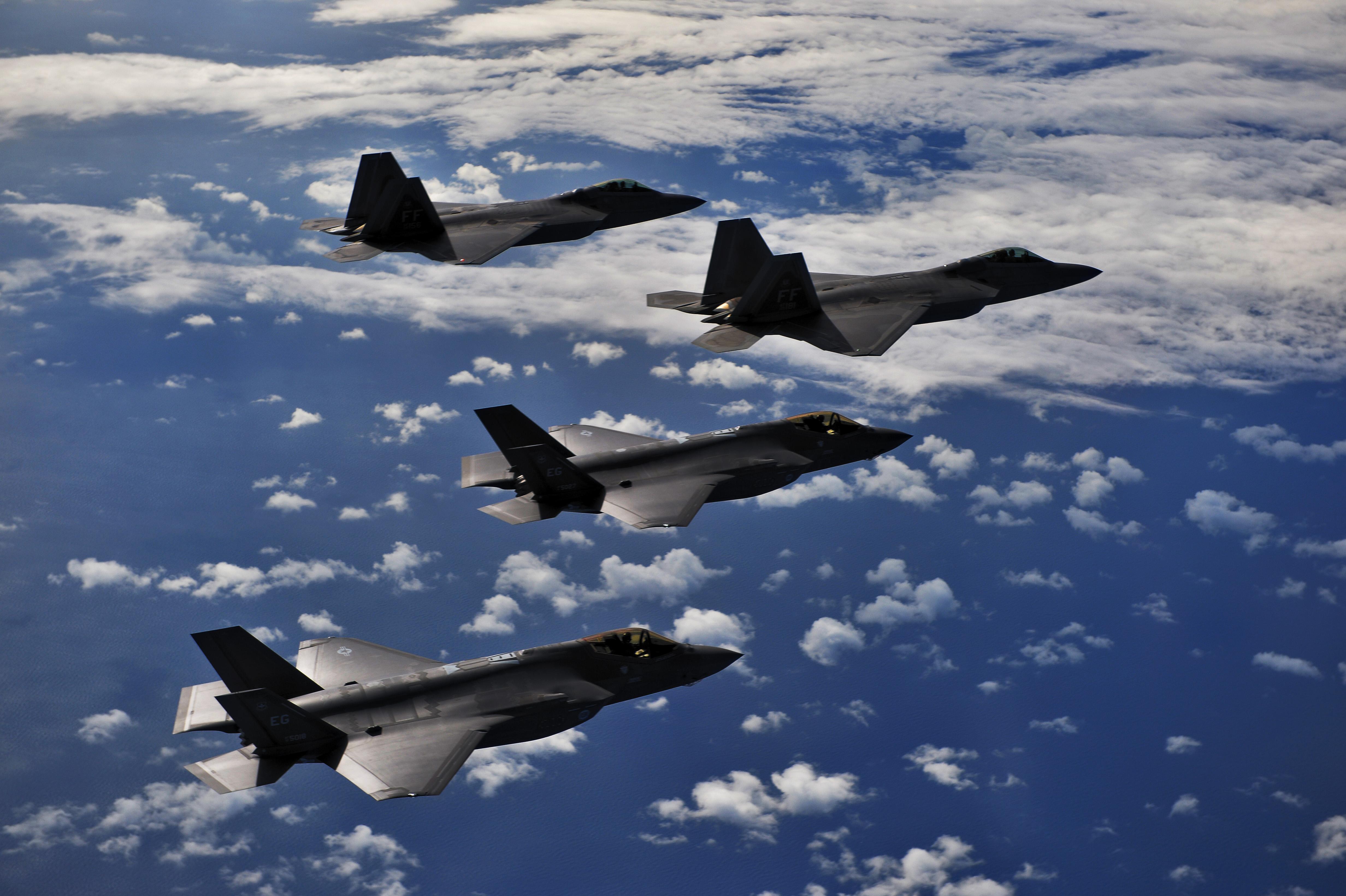 Here's how US fifth-generation aircraft would win in a war against China