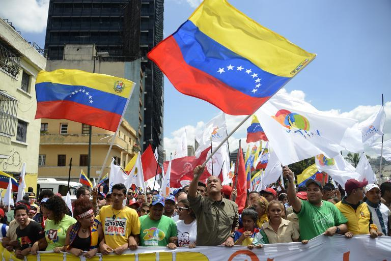 Venezuela split by pro- and anti-Maduro protests