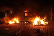 Veculo  incendiado na zona do consulado dos Estados Unidos em Benghazi