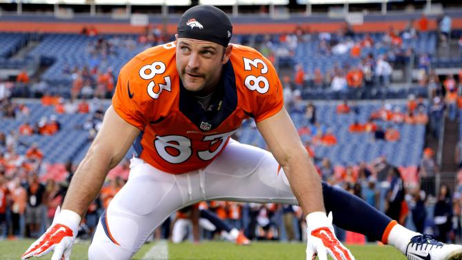 Welker's return brings more concussion questions