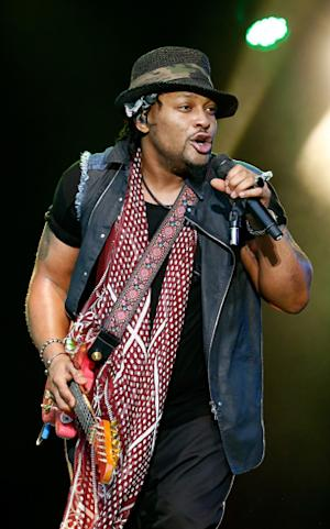 D'Angelo Cancels Shows for 'Medical Emergency'