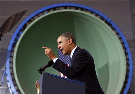 Obama visits a shipbuilding yard in Newport News, Virginia