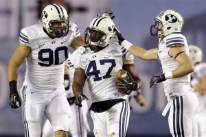BYU LB Van Noy scores 2 TDs in Poinsettia Bowl win