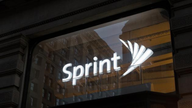 Sprint reportedly preparing to purchase T-Mobile in 2014