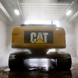 Caterpillar Lowers Sales Guidance for 2014