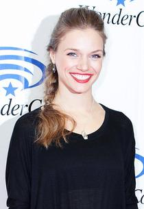 Tracy Spiridakos | Photo Credits: Gabriel Olsen/FilmMagic/Getty Images