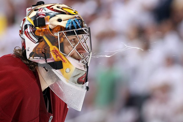 Goaltender Mike Smith #41 Of The Phoenix Coyotes Spits In Overtime While Taking On The Los Angeles Kings In Game Five  Getty Images