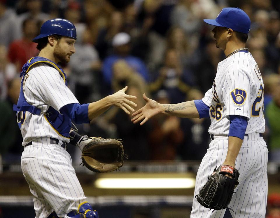 Lohse retires 23 straight in Brewers win