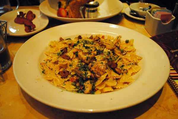 6. Farfalle with Chicken and Roasted Garlic -- The Cheesecake Factory