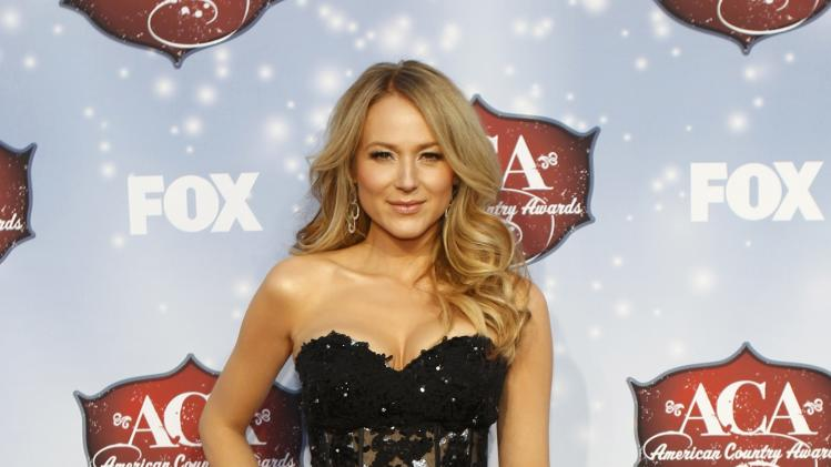 Musician Jewel arrives at the 4th annual American Country Awards in Las Vegas