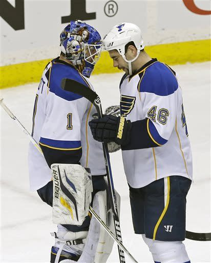 Elliott gives Blues another shutout, beat Wild 2-0
