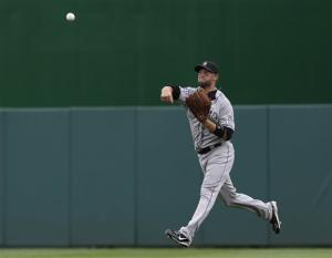 Cuddyer extends hit streak to 21 in Rockies' win